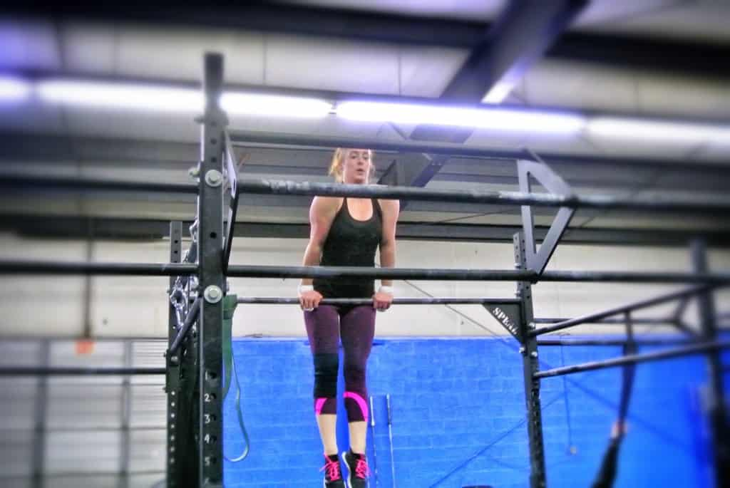 Amelia making bar muscle-ups look easy